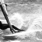 Warto wyjechać na wakacje z kursem windsurfingu
